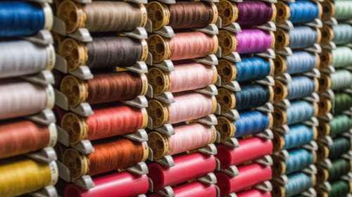 Carded or combed yarn, it changes everything! We'll tell you why